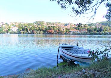 Tra lago, mare e cielo